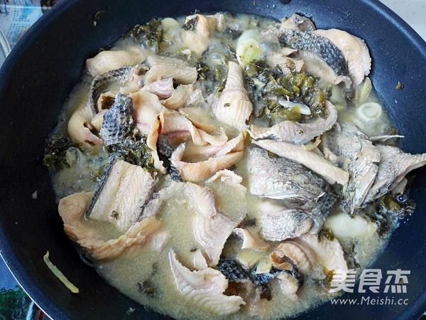 酸菜黑鱼片怎样煸