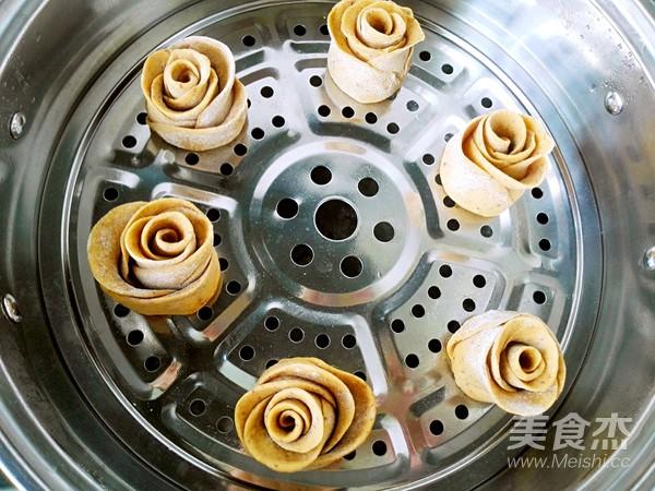 红枣玫瑰花卷的制作