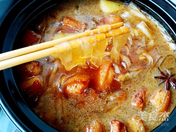 土豆粉条炖红烧肉的制作