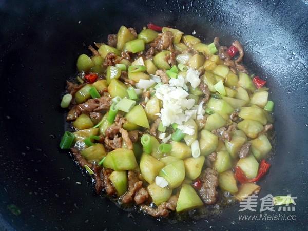 丝瓜炒肉怎样做