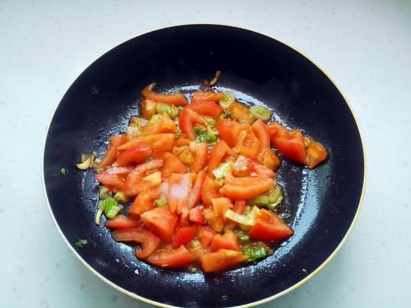 西红柿鸡蛋面怎么煸