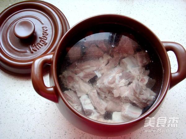 香菇炖排骨汤的简单做法