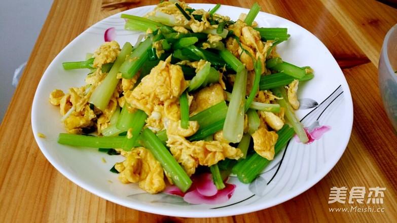 芹菜炒鸡蛋怎么煮
