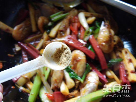 干锅香辣北极虾怎样做