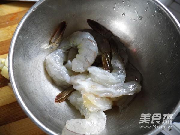 秋葵炒虾仁的家常做法