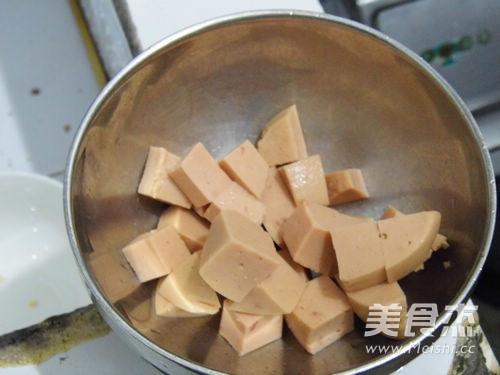 芹香炒三丁的做法图解