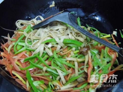 瘦肉炒干豆腐怎么煮