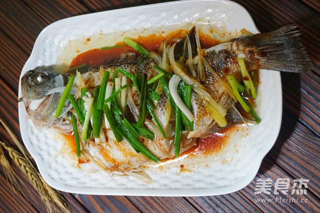 葱香鲈鱼怎么煮