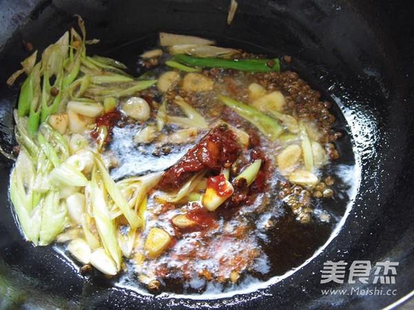 水煮黄颡鱼的简单做法