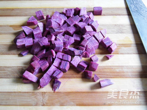紫薯花生银耳汤怎么做