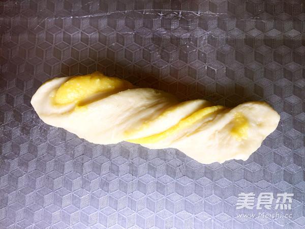 奶黄排包的制作