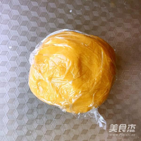 五仁月饼怎么吃