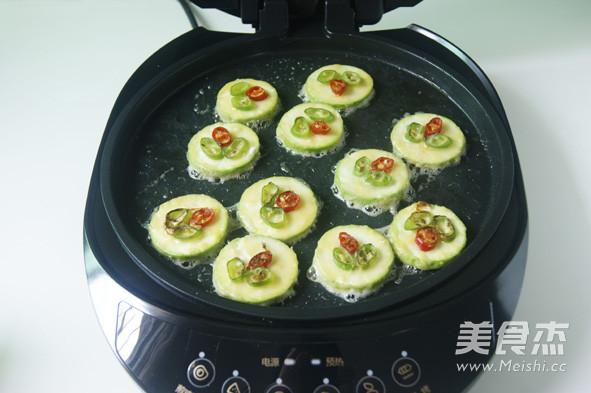 韩式西葫芦煎饼怎么煸