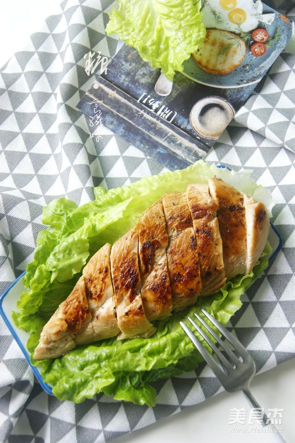香煎鸡胸肉减脂增肌成品图