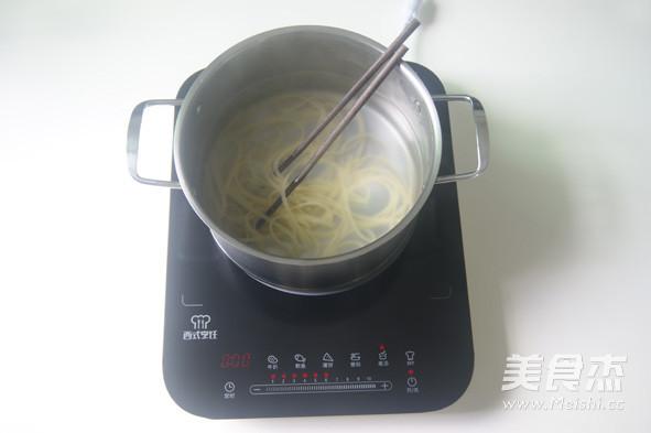 """如何做一盘""""有滋有味""""的经典意面【黑椒牛肉意面】怎么煮"""