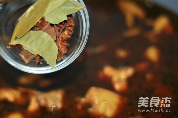 小鸡炖蘑菇怎么吃