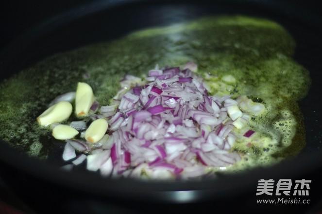 奶油甜菜根炖饭的简单做法