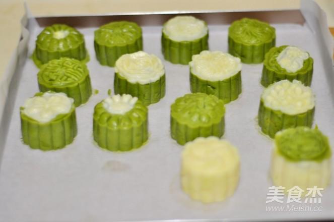 抹茶奶黄月饼的制作