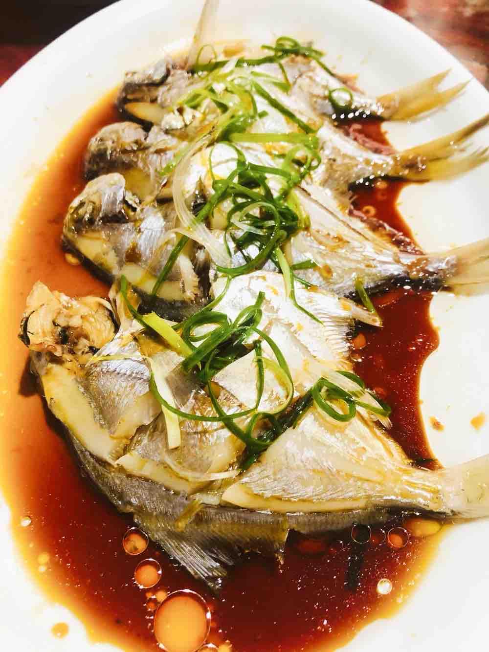 清蒸鲳鱼成品图