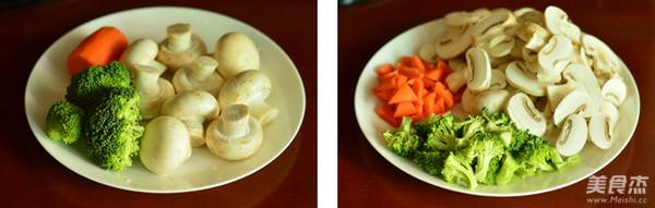 西兰花炒蘑菇的做法大全