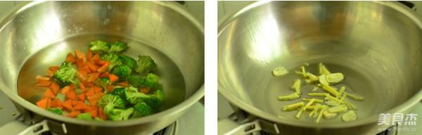 西兰花炒蘑菇的做法图解