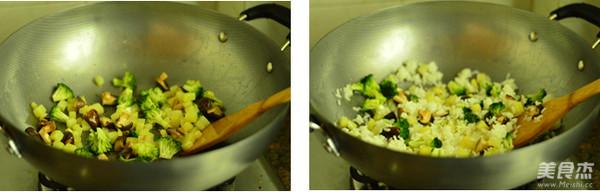 香菇酱油炒饭的家常做法