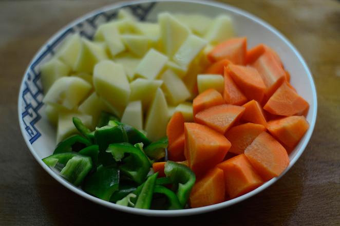 香菇焖鸡翅的简单做法