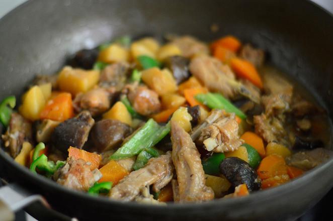 香菇焖鸡翅怎样煮