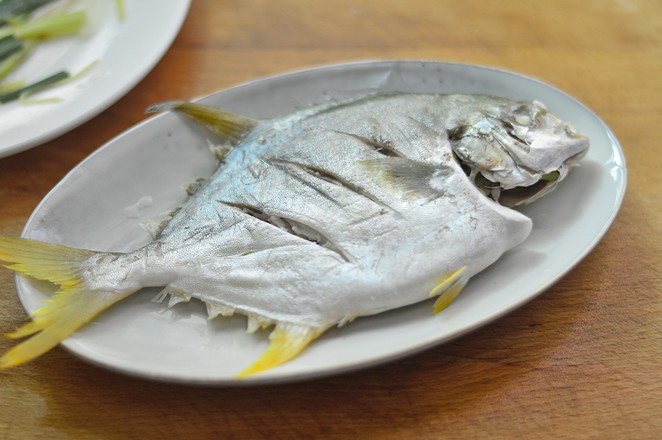清蒸金鲳鱼怎么煸