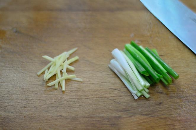 洋葱爆炒虾的简单做法