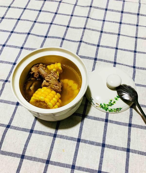 玉米排骨汤成品图