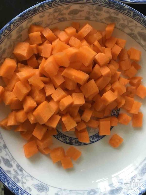 瘦肉胡萝卜杏鲍菇青菜粥的步骤