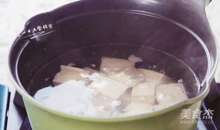 奶白鲫鱼豆腐汤的做法图解