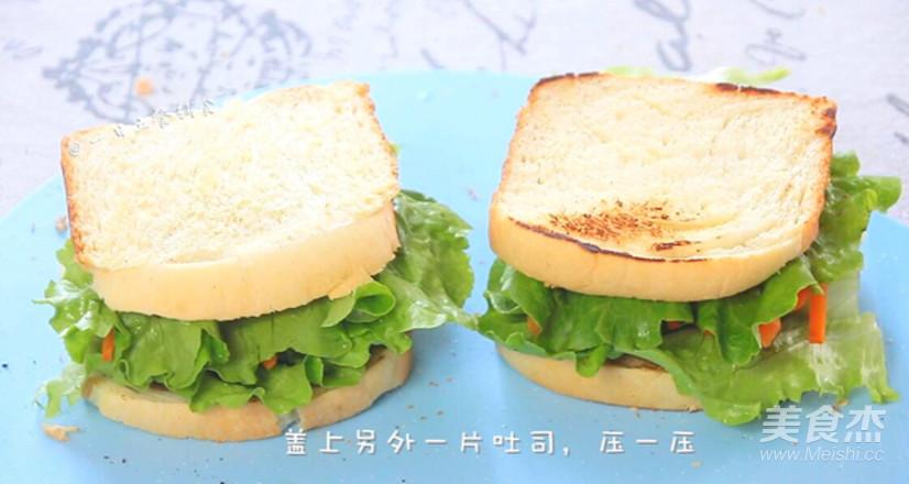 牛油果鸡蛋火腿三明治怎么煸
