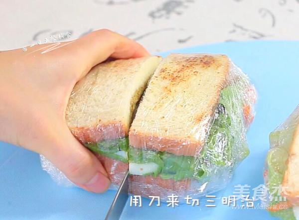 牛油果鸡蛋火腿三明治怎样做