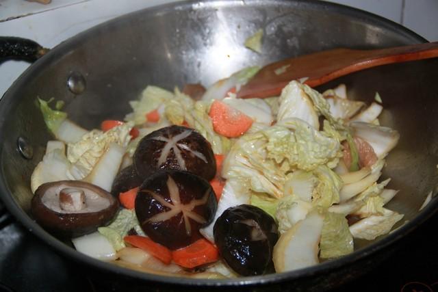 香菇炖白菜怎么煸