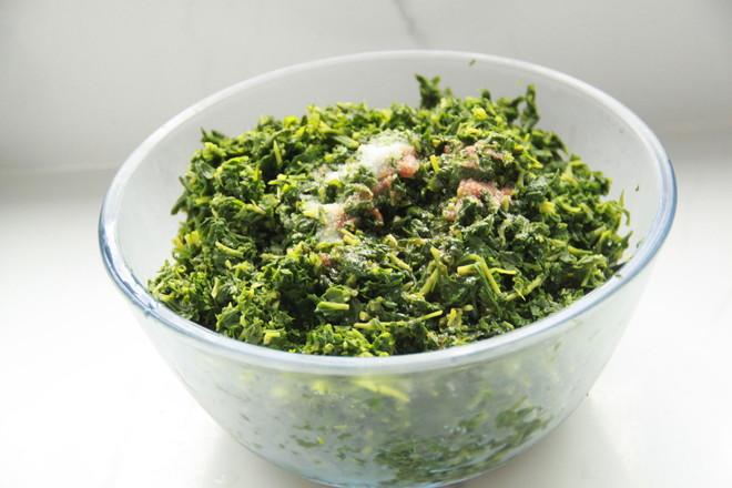 山马扎野菜包子怎样做