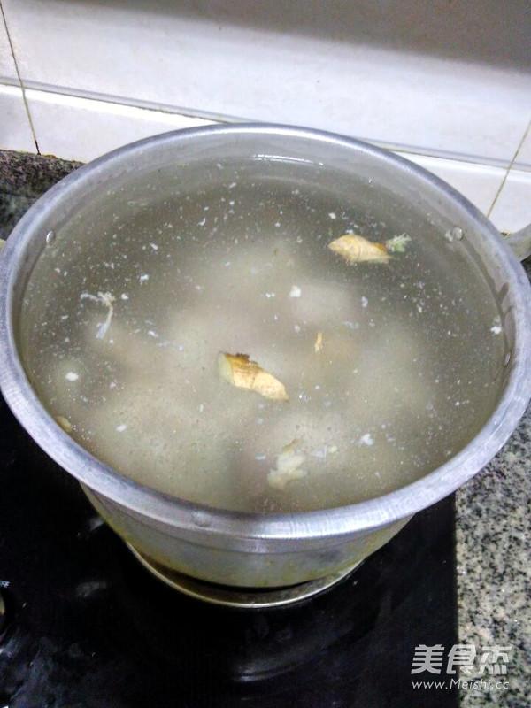 白萝卜羊脚汤怎么做