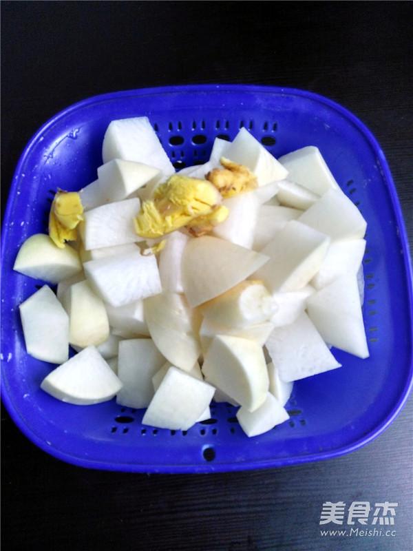 白萝卜排骨汤的做法图解