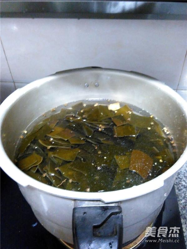 海带排骨汤怎么做