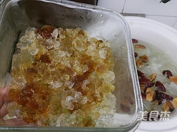 银耳桃胶甜汤怎么煮