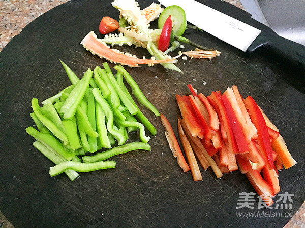 三丝回锅肉怎么吃