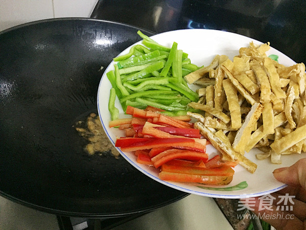 三丝回锅肉怎么炒