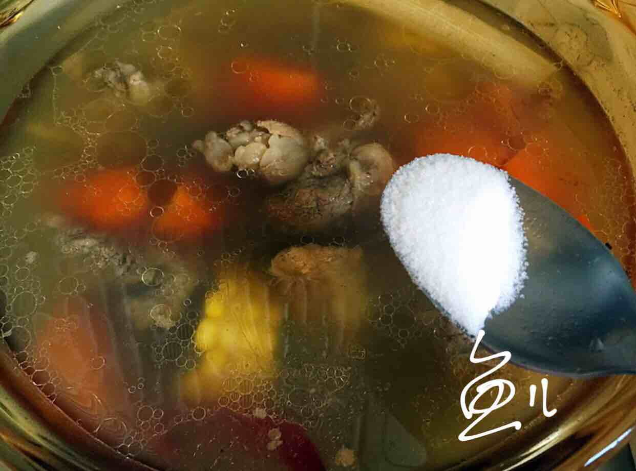 排骨玉米胡萝卜汤怎样煸