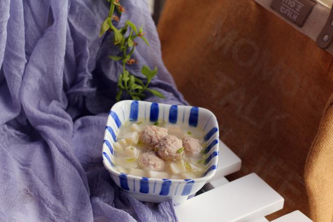 莲藕肉丸汤成品图