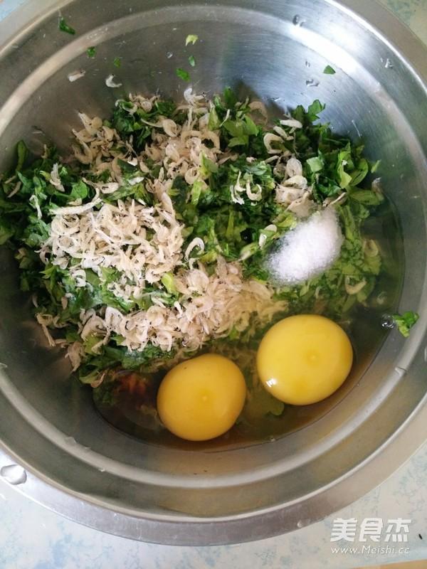 芹菜叶炒鸡蛋的家常做法