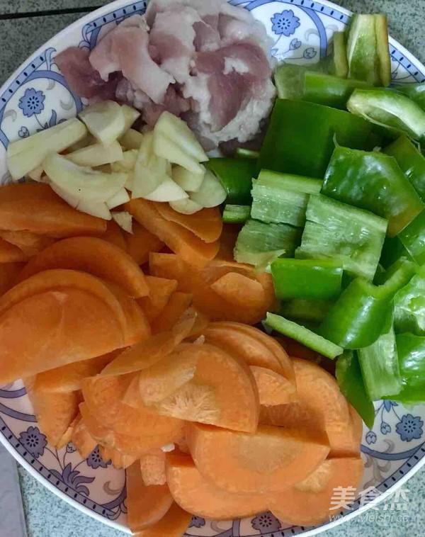 洋葱胡萝卜炒五花肉的做法大全