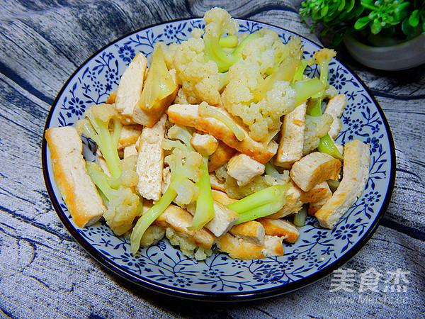 花菜炒豆腐怎么煸
