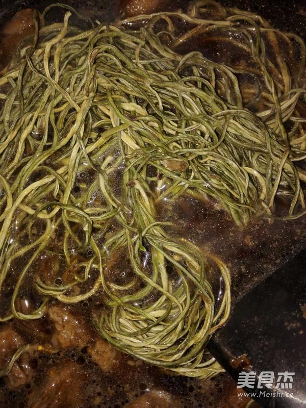 懒人做懒菜之红烧肉炖干豆角的做法图解