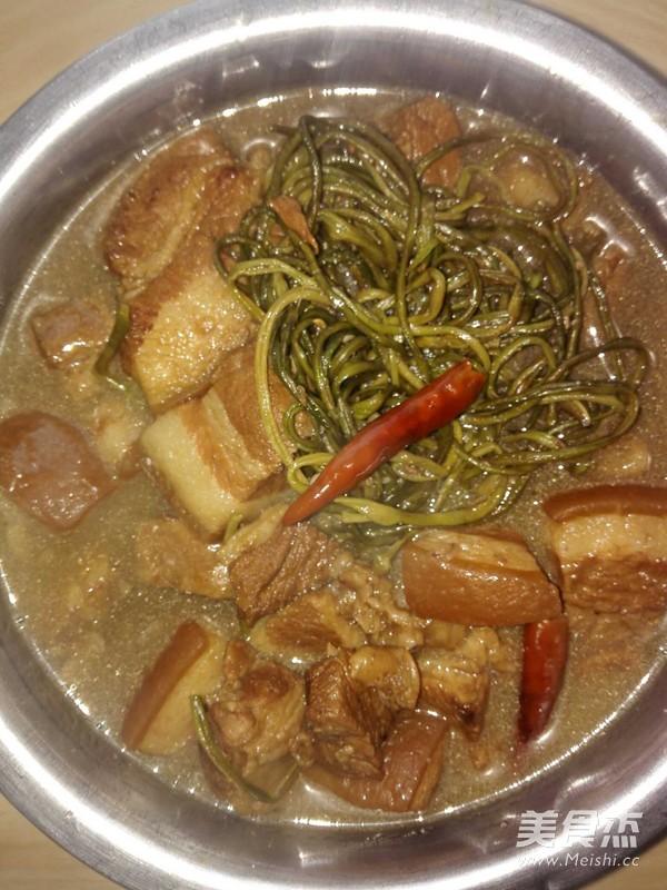 懒人做懒菜之红烧肉炖干豆角的家常做法